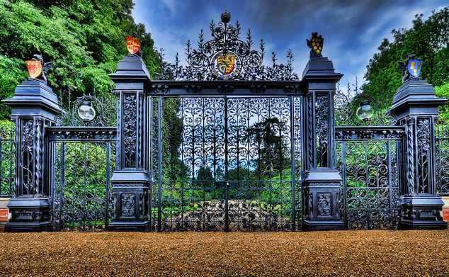 Sandrigham gates Norfolk