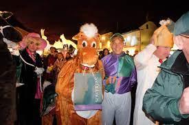 Holt Christmas Lights Panto Race